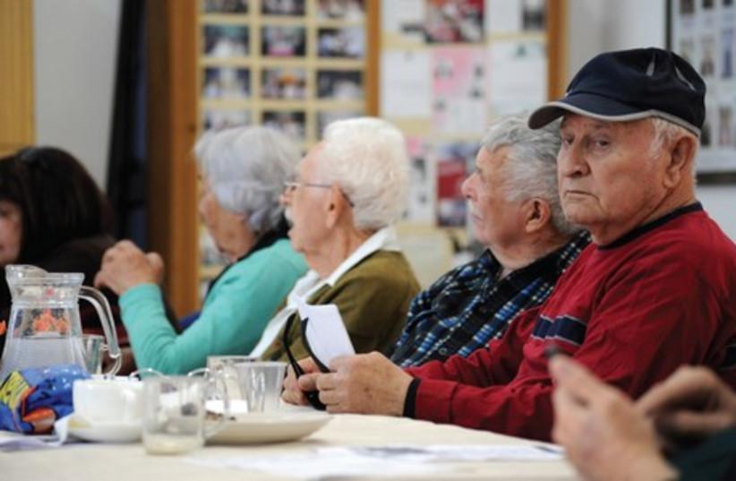 Holocaust survivors from Pardes Hanna (photo credit: GIL ELIYAHU / JINIPIX)