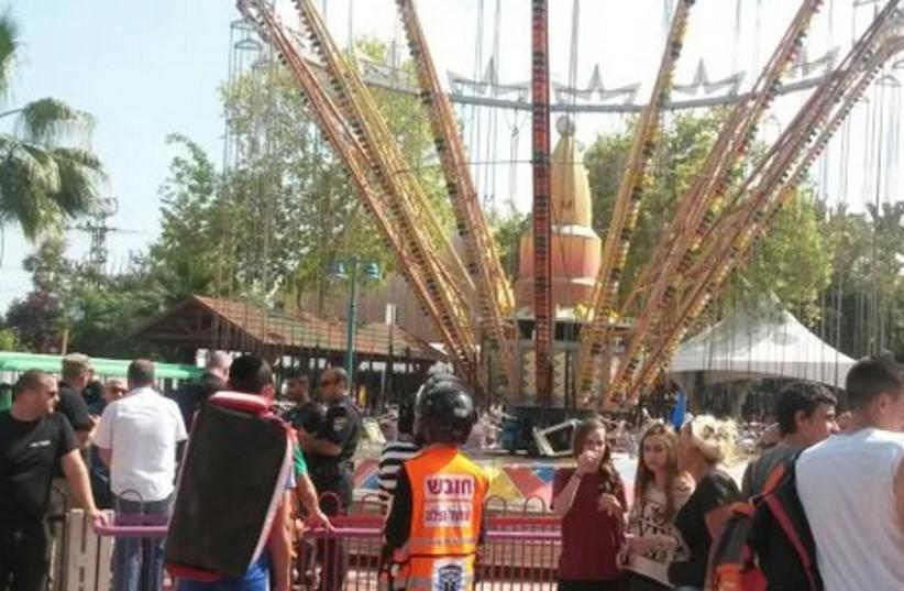 Carousel at Luna Park, Tel Aviv, April 17, 2014. (photo credit: UNITED HATZALAH)