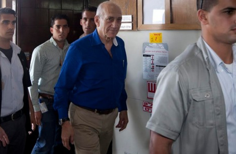 Olmert in court on day of sentencing, May 13 (photo credit: POOL)