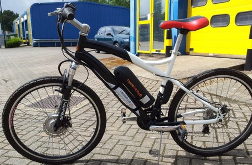 An electric bicycle. (photo credit: Wikimedia Commons)