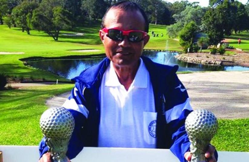Blind Israeli golfer Zohar Sharon (photo credit: SHIMSHON LEVI)