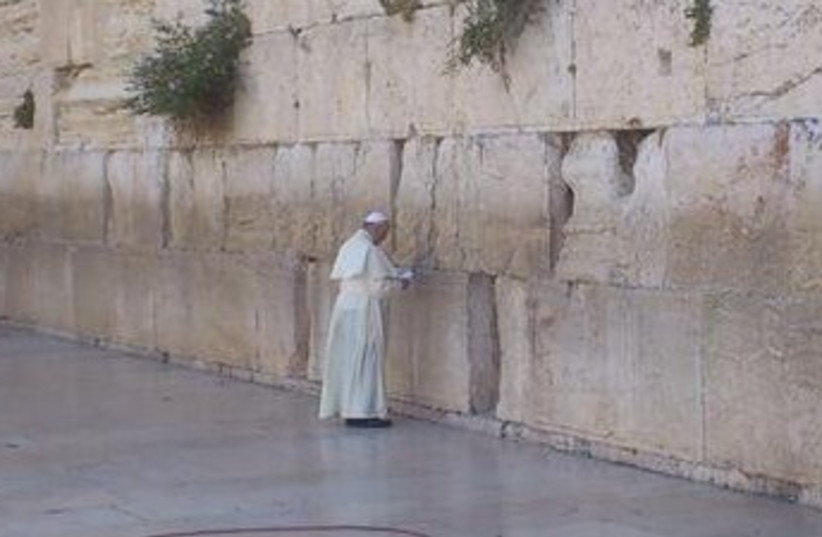 Pope at Western Wall (photo credit: YONAH JEREMY BOB)
