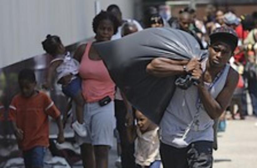 New Orleans evacuation 224.88 (photo credit: AP)