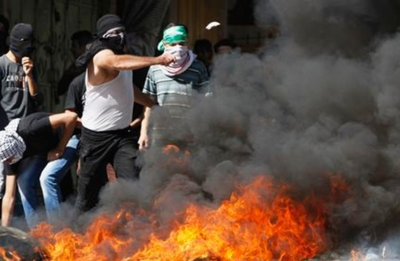 Riots in Tamra (photo credit: REUTERS)
