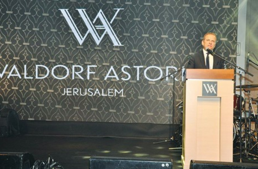 Simon Vincent, president of Europe, Middle East and Africa and executive vice president of Hilton Worldwide, addresses the gala reception at the Waldorf Astoria Jerusalem on Sunday night. (photo credit: DANIEL COHEN)