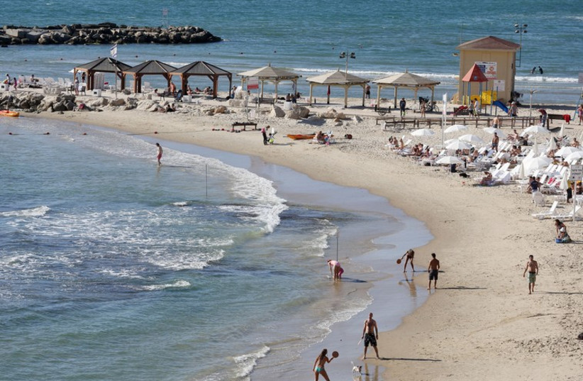Tel-Aviv Beach (photo credit: MARC ISRAEL SELLEM/THE JERUSALEM POST)