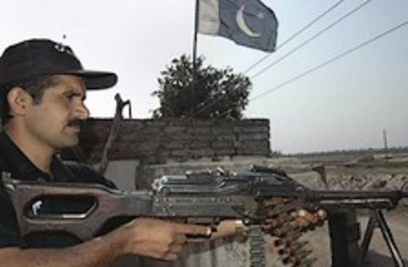 pakistan army 224.88 (photo credit: AP)