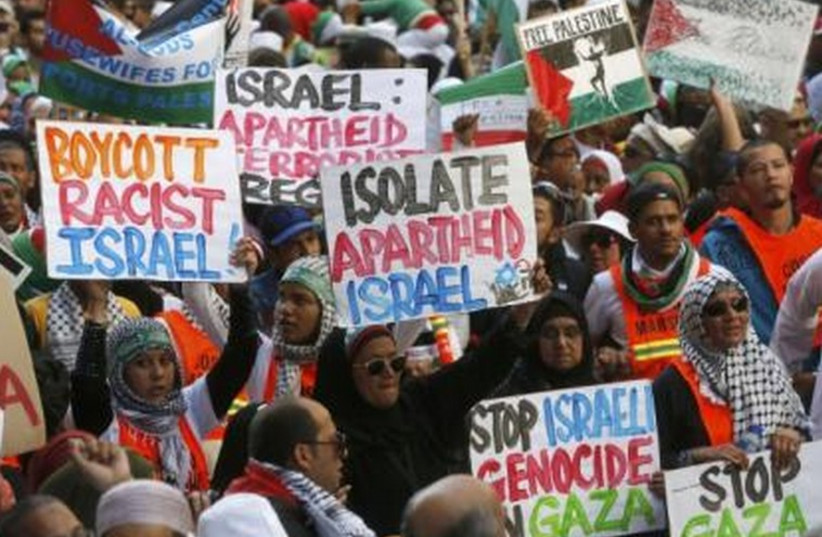 Demonstrators march through the streets of Cape Town against the Israeli-Palestinian conflict August 9, 2014. (photo credit: REUTERS)