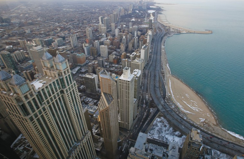 THE DOWNTOWN skyscrapers of Chicago rise against the backdrop of Lake Michigan. (photo credit: REUTERS)