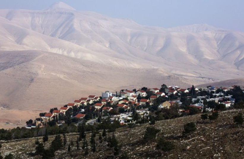 Houses can be seen at the Jewish West Bank settlement of Maale Efrayim in the Jordan Valley (photo credit: REUTERS)