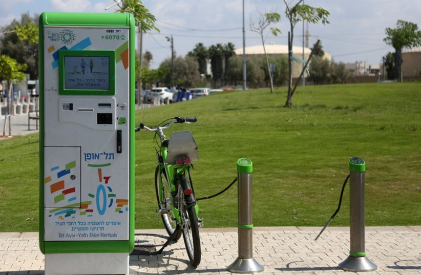 Bike rental in Tel Aviv  (photo credit: MARC ISRAEL SELLEM/THE JERUSALEM POST)