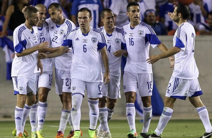 Members of Israel's national soccer squad. (photo credit: REUTERS)
