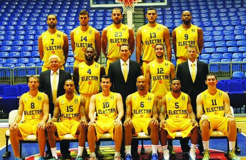A team picture of Maccabi Tel Aviv's basketball team. (photo credit: ADI AVISHAI)