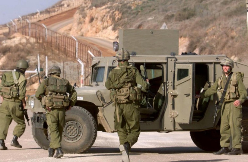 IDF troops on Lebanon border [file] (photo credit: REUTERS)