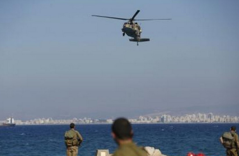 IDF helicopter rescues wounded IDF soldiers (photo credit: REUTERS)