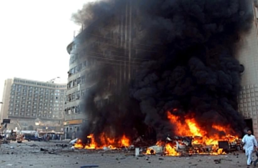 pakistan explosion298.88 (photo credit: AP)