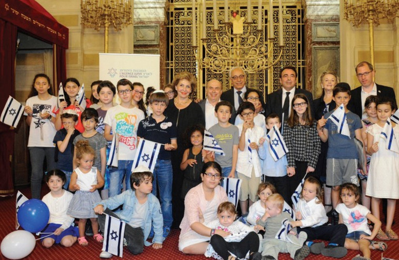 FRENCH JEWISH children at the historic Synagogue des Tournelles in Paris in July ahead of their aliya with their families. (photo credit: EREZ LICHTFELD)