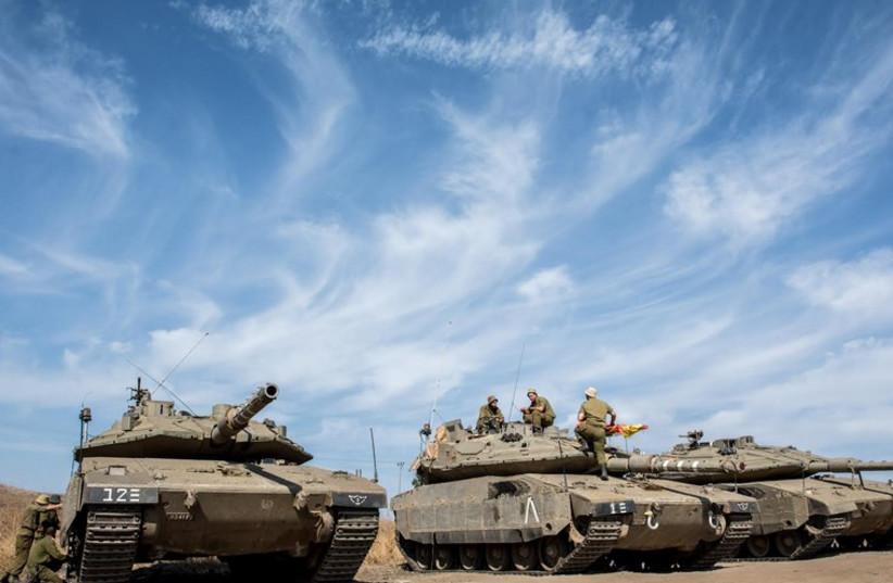 Tank crews from the Seventh Brigade's 75th Battalion train with their new Merkava Mk. 4 tanks (photo credit: IDF SPOKESMAN'S UNIT)