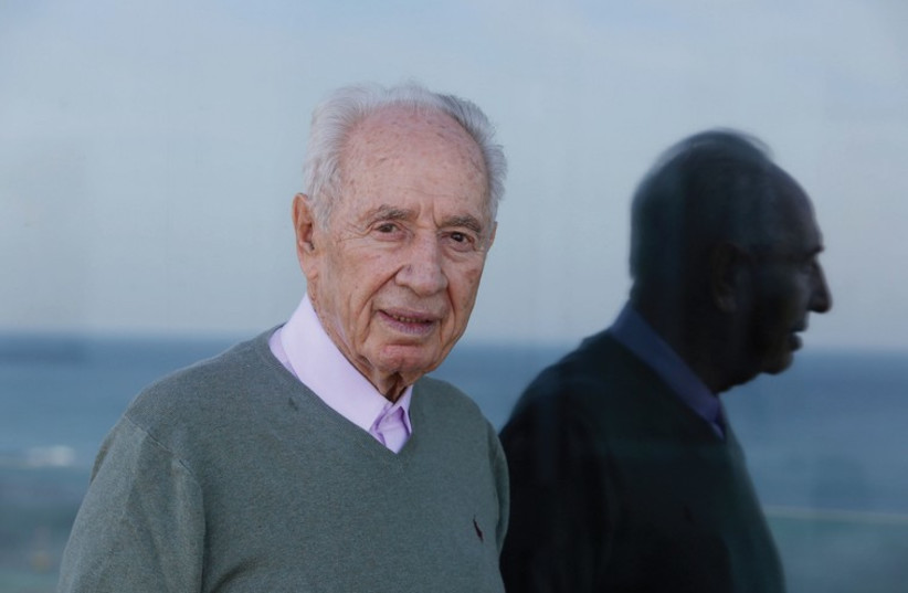 Shimon Peres (photo credit: MARC ISRAEL SELLEM/THE JERUSALEM POST)