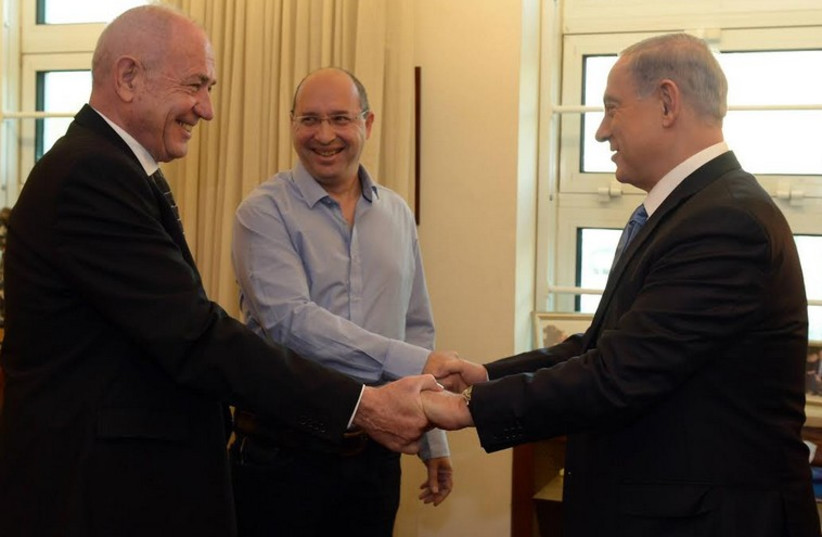 Prime Minister Benjamin Netanyahu with Histadrut chairman Avi Nissenkorn (photo credit: HAIM ZACH/GPO)