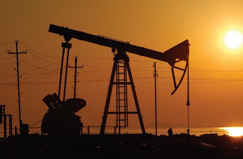 OIL DERRICKS. (photo credit: REUTERS)