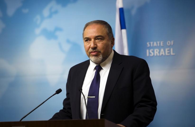 Le ministre des Affaires étrangères Avigdor Liberman (photo credit: RONEN ZVULUN / REUTERS)