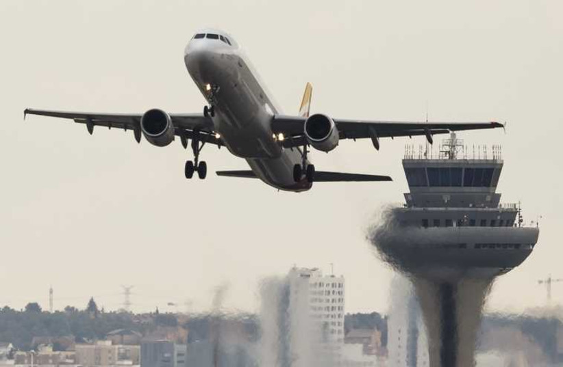 Airplane takeoff (photo credit: REUTERS)