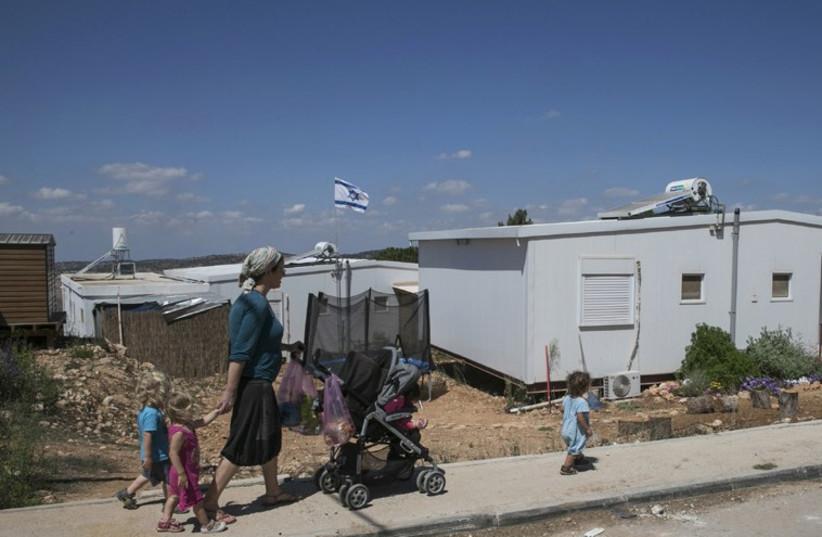 Settlements  (photo credit: BAZ RATNER)