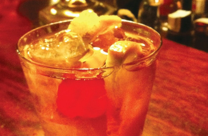 An old-fashioned cocktail. (photo credit: Wikimedia Commons)