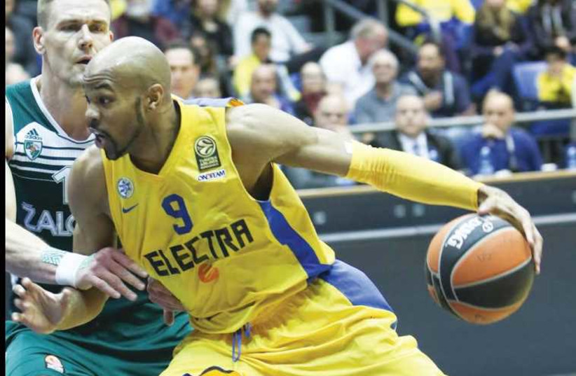 After an erratic season to date, Maccabi Tel Aviv is hoping center Alex Tyus comes up with one of his better performances Thursdy when the yellow-and-blue hosts Galatasaray at Yad Eliyahu Arena (photo credit: DANNY MARON)