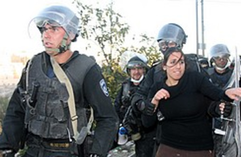 hebron evacuation house 248 88 (photo credit: Ariel Jerozolimksi [file])