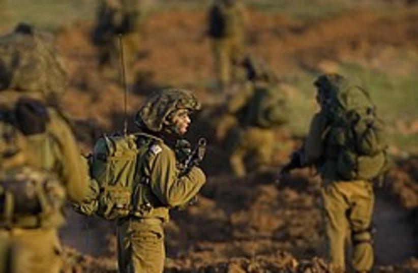 idf troops enter gaza 248 88 ap (photo credit: AP)