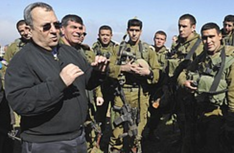 Barak and Ashkenazi tour north 248.88 (photo credit: Defense Ministry )