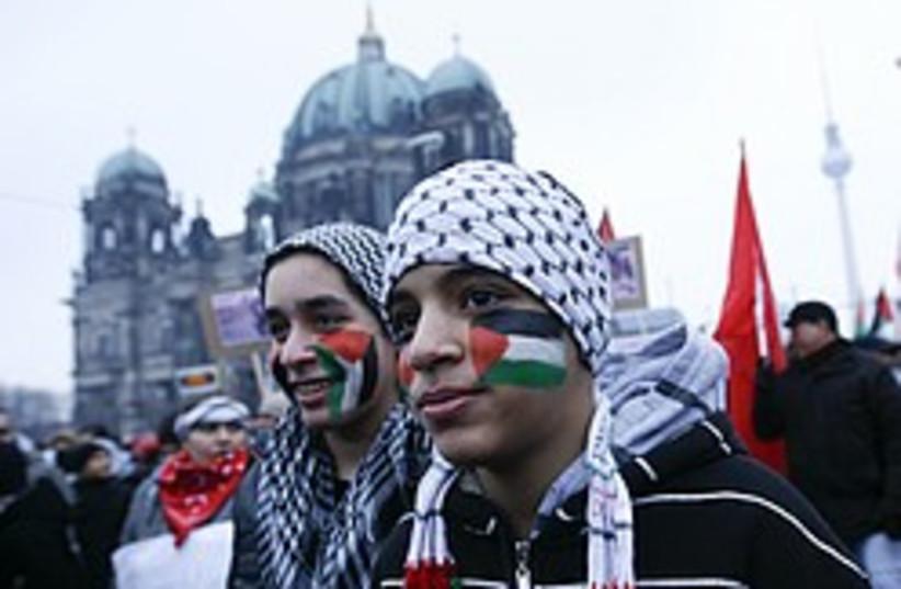 gaza protest berlin 248 88 ap (photo credit: AP)