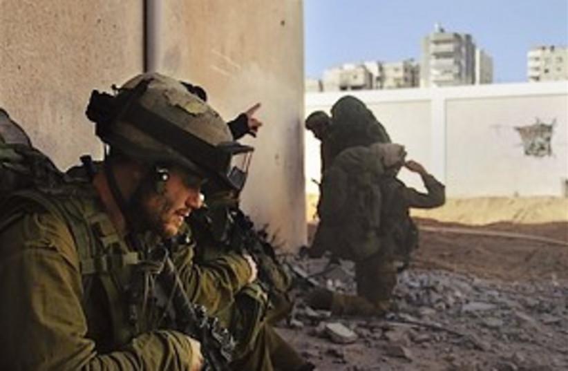 idf troops in Gaza 298.88 (photo credit: )