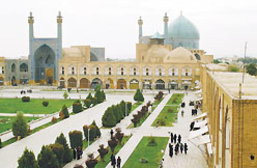Iran mosque 88 248 (photo credit: STEPHEN SHAINWALD)