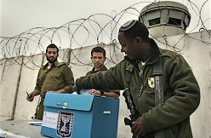 IDF soldiers voting 248.88 (photo credit: AP)