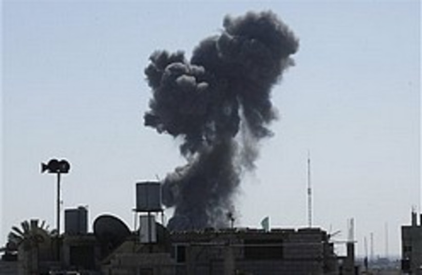 gaza strike smoke 248 88 ap (photo credit: AP)