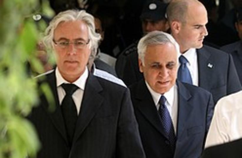 katsav and lawyer 248 88 aj (photo credit: Ariel Jerozolimski [file])