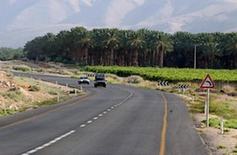 jordan valley bika road 298 (photo credit: Ariel Jerozolimski)