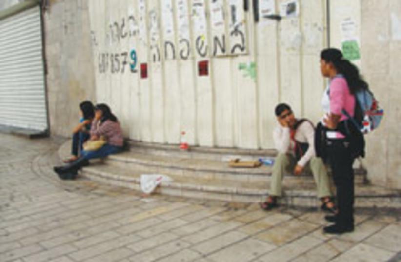 foreign workers 88 248 (photo credit: Mya Guarnieri)