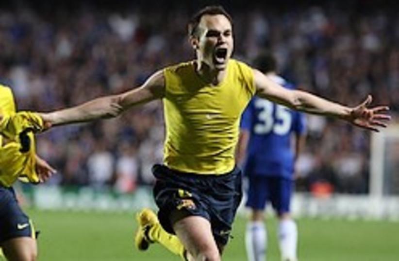 soccer Barcelona Andres Iniesta 248 (photo credit: )
