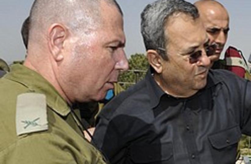 barak with bald army dude 248 88 (photo credit: Ariel Hermoni/Defense Ministry)