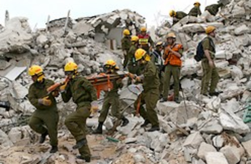 IDF home front drill 248 (photo credit: Ariel Jerozolimski)