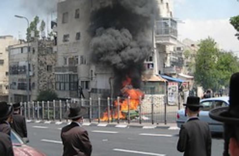 haredi riot burning garbage 248 88 (photo credit: Alisa Ungar-Sargon)