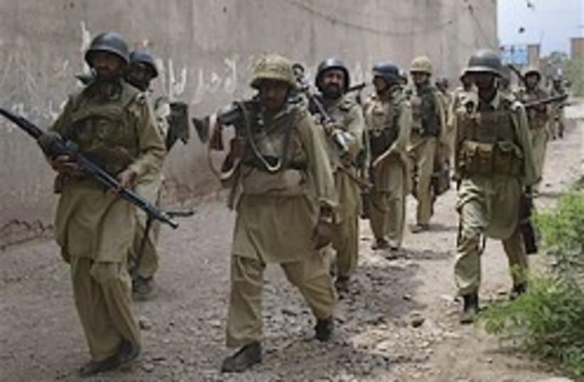 Pakistani troops 248.88 (photo credit: AP)