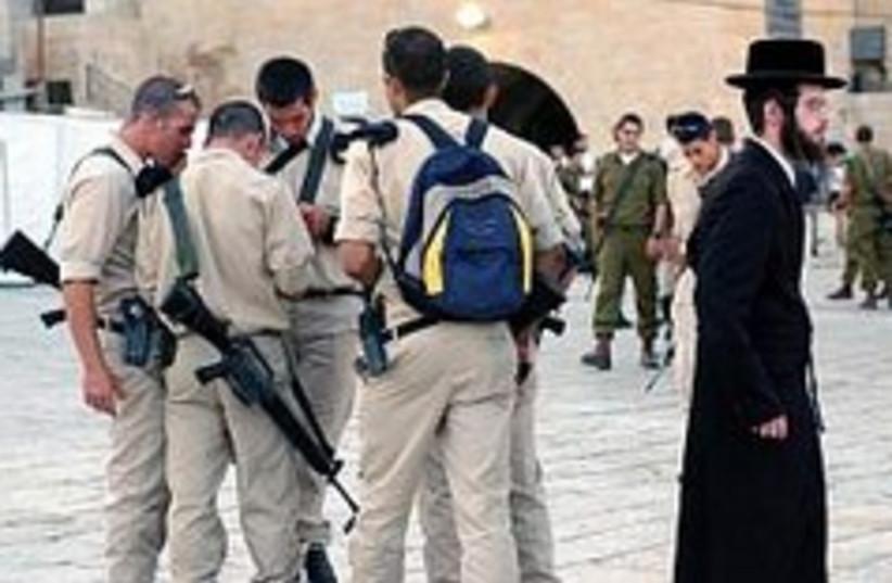 haredi soldiers kotel 248.88 (photo credit: Ariel Jerozolimski)