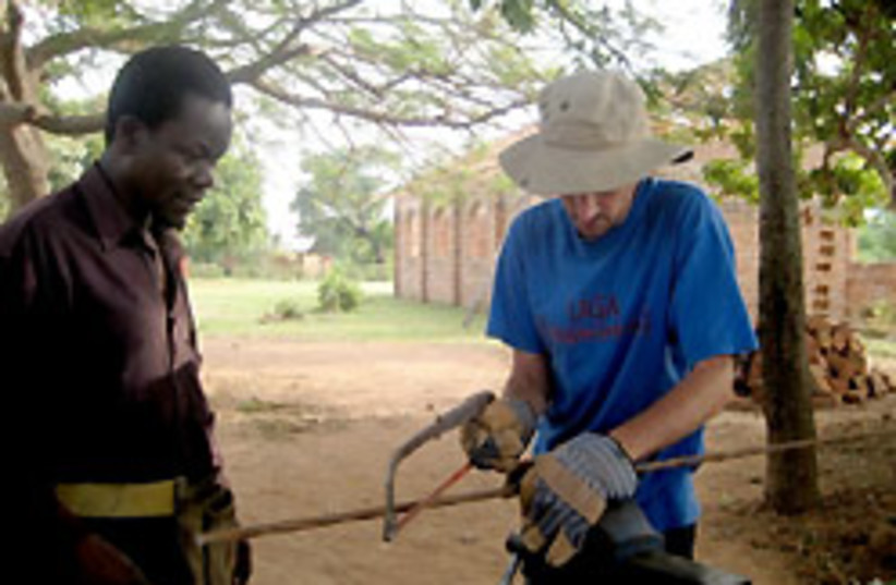 africa volunteer 88 248 (photo credit: Amy Klein/JTA)
