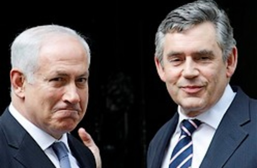 Netanyahu brown dont touch me there248.8 (photo credit: AP)