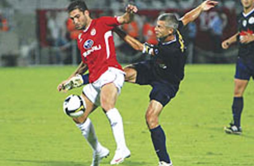 shechter Hapoel TA soccer 248.88 (photo credit: Adi Avishai)